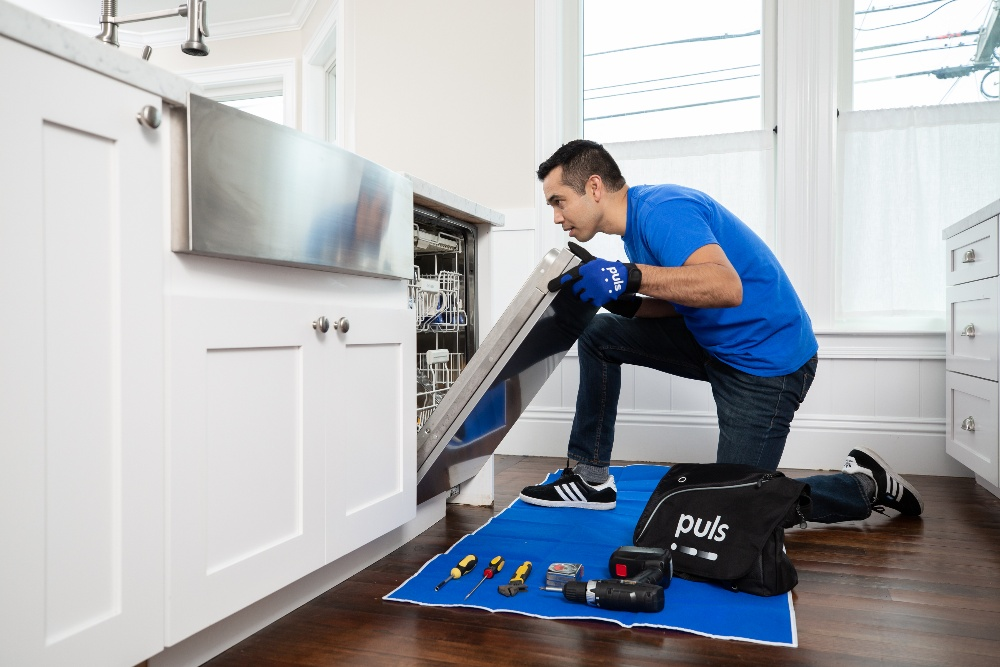 Puls dishwasher repair technician